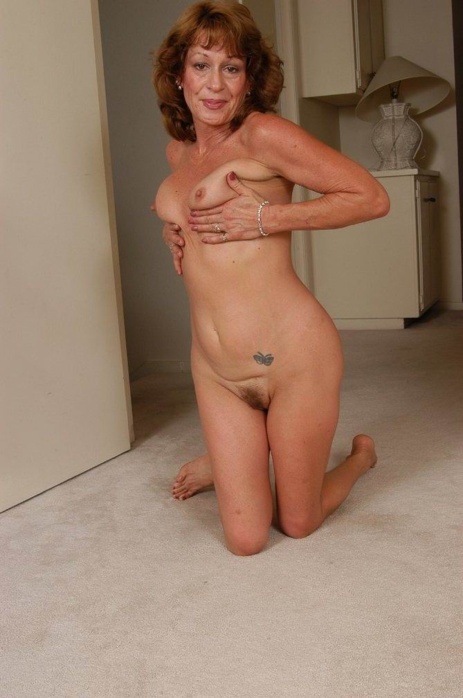 tantra sex chair naked women