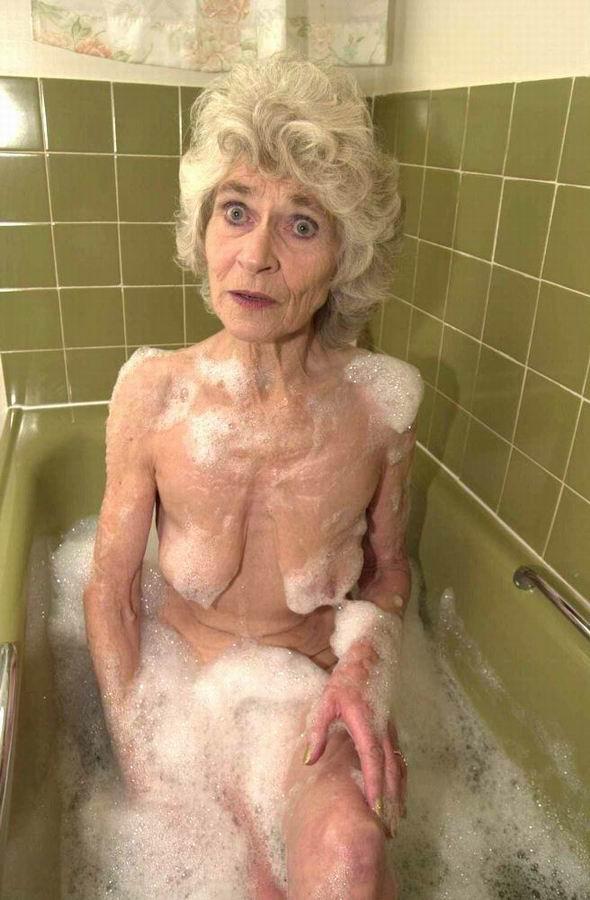 фото голых худых старушек