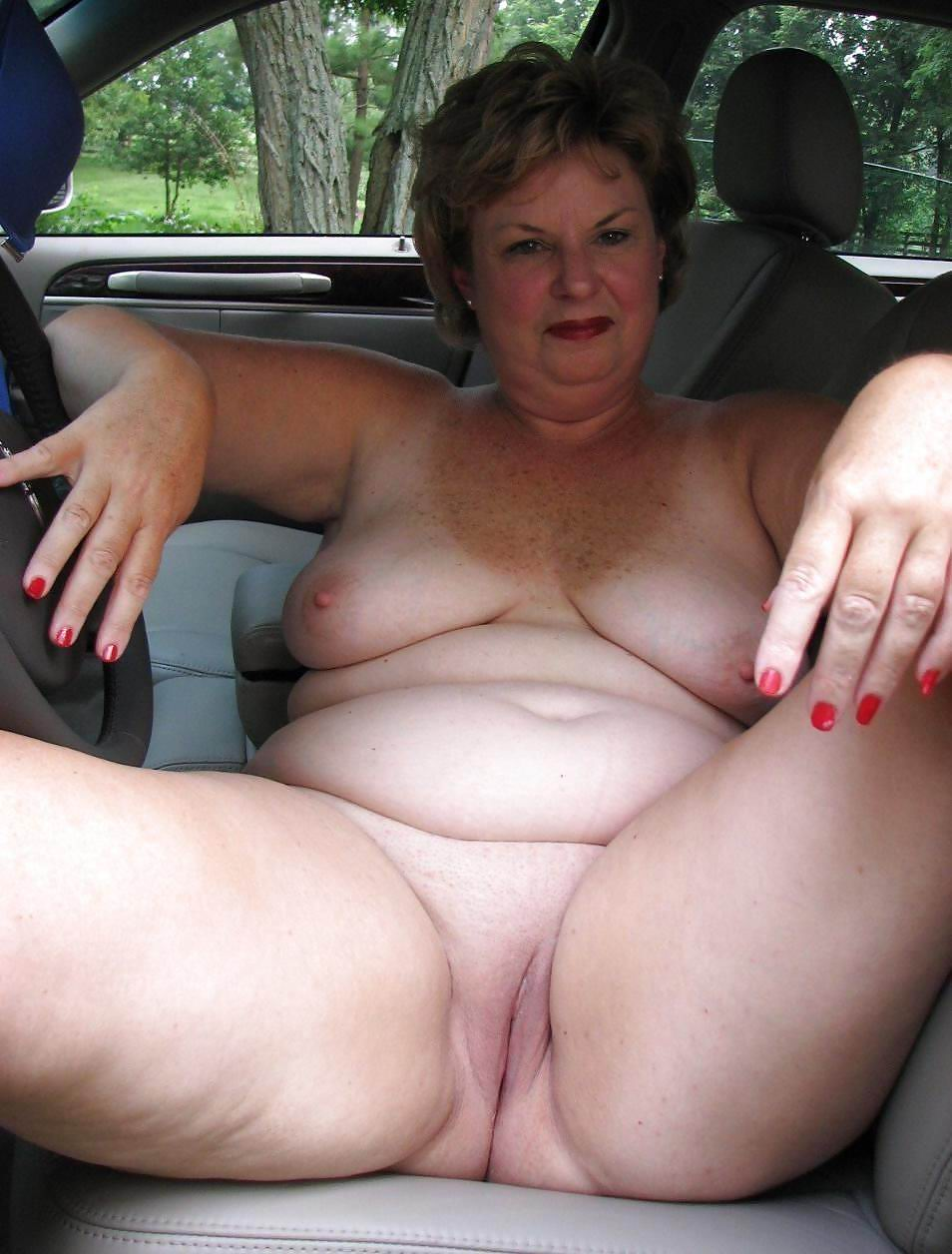 horny grannies:this site dedicated to older and mature women