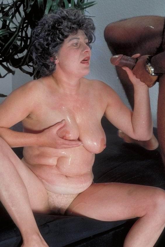 Horny granny rideing black cock