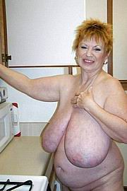 granny-big-boobs452.jpg