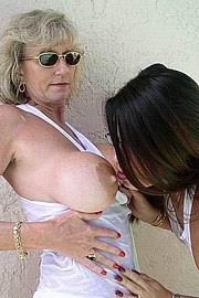 granny-big-boobs469.jpg