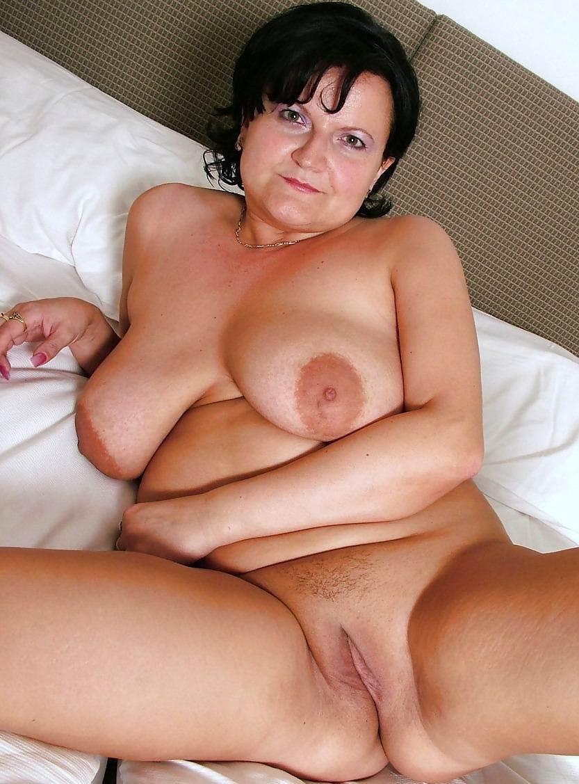 Naked female corpse gif