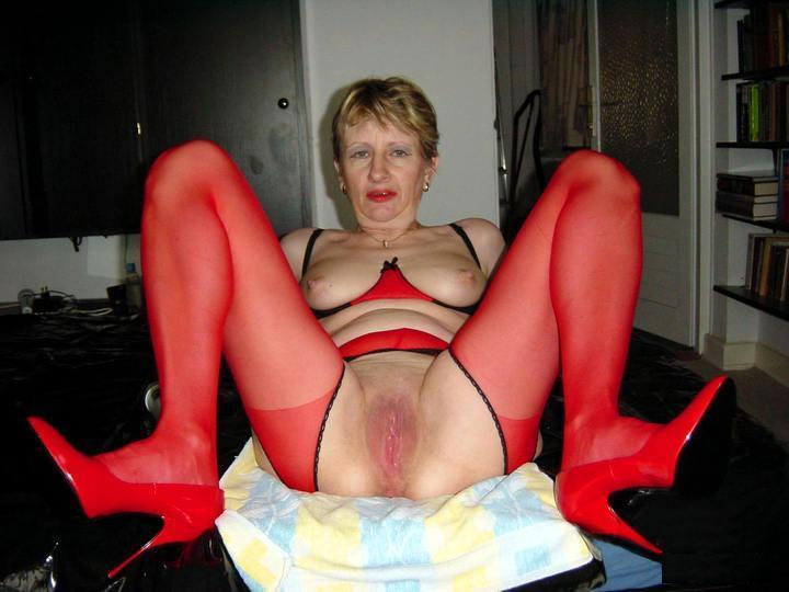 50 plus amateur wife spreads bold pussy 9