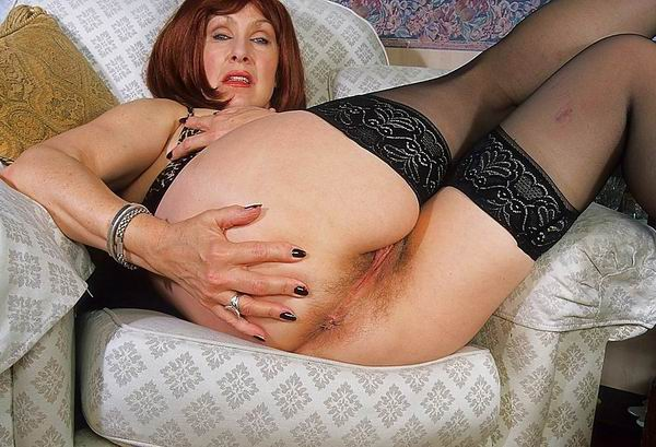 Very old chubby granny playing with couple in bath 8
