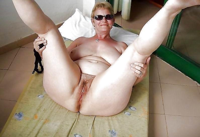 Danish amateur tries anal dildos