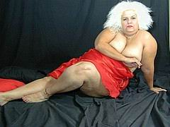 nasty-old-fat-grannies107.jpg
