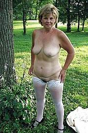 old-lady-pussy10.jpg