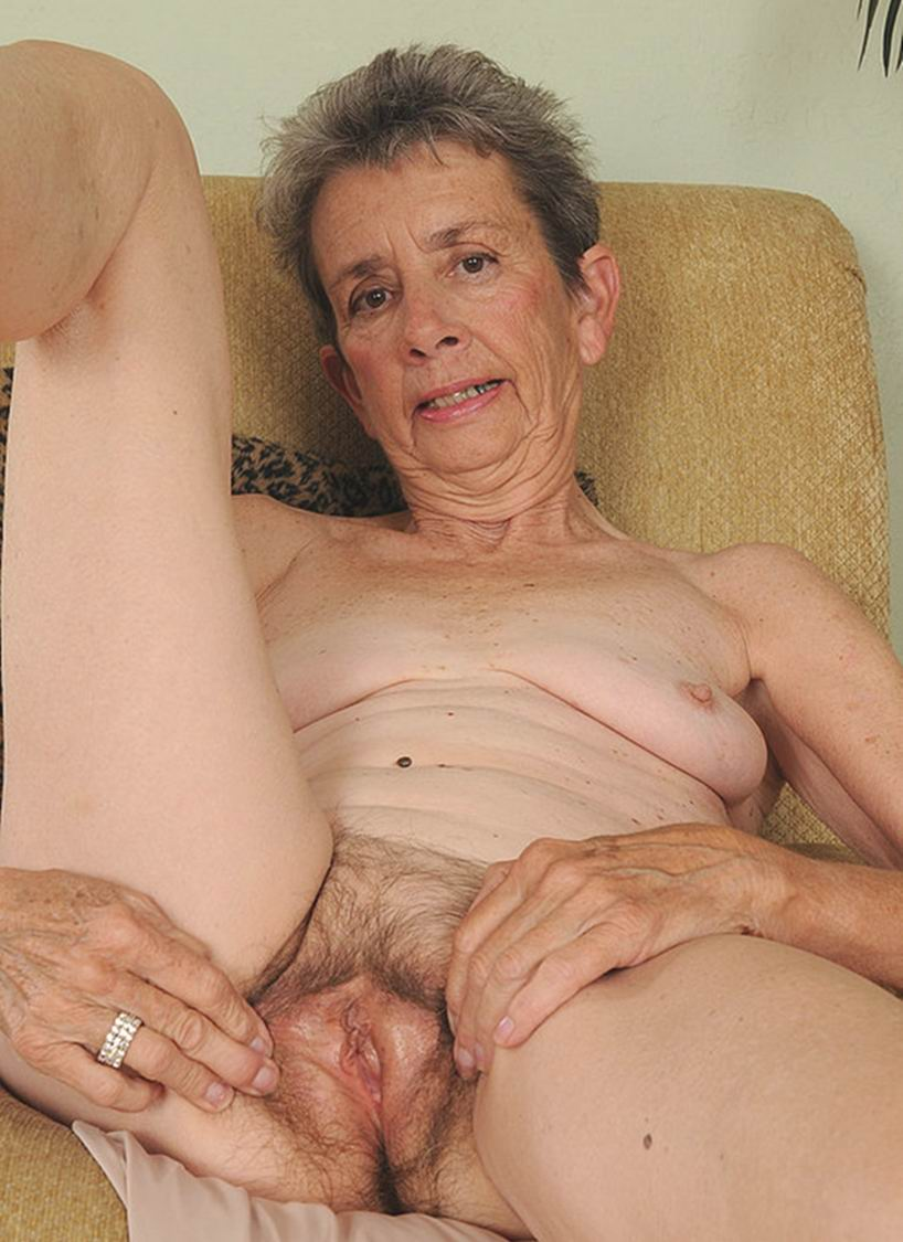 Old wrinkled granny pussy