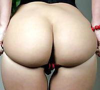 Roxy Raye gapes her sexy ass wide